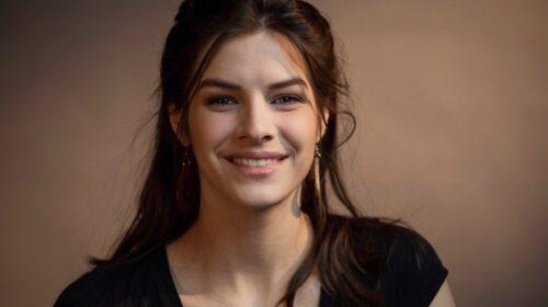 PORTRAIT- Klara Martel-Laroche- De la comédie musicale è l'opéra