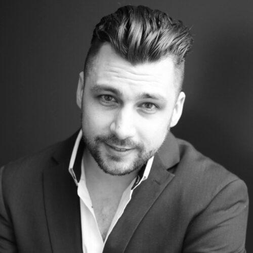 PORTRAIT- Jean-Philippe McLish- Un jeune chanteur passionné