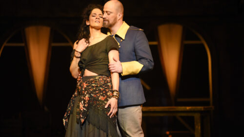 Une Carmen de Charles Binamé à l'Opéra de Montréal, un récital d'Elliot Madore à la Société d'art vocal de Montréal et des Chants désordonnés par la soprano Janice Jackson